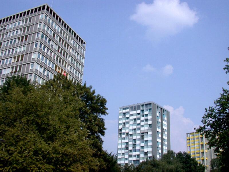 Apartment towers on Bartingallee, Hansaviertel